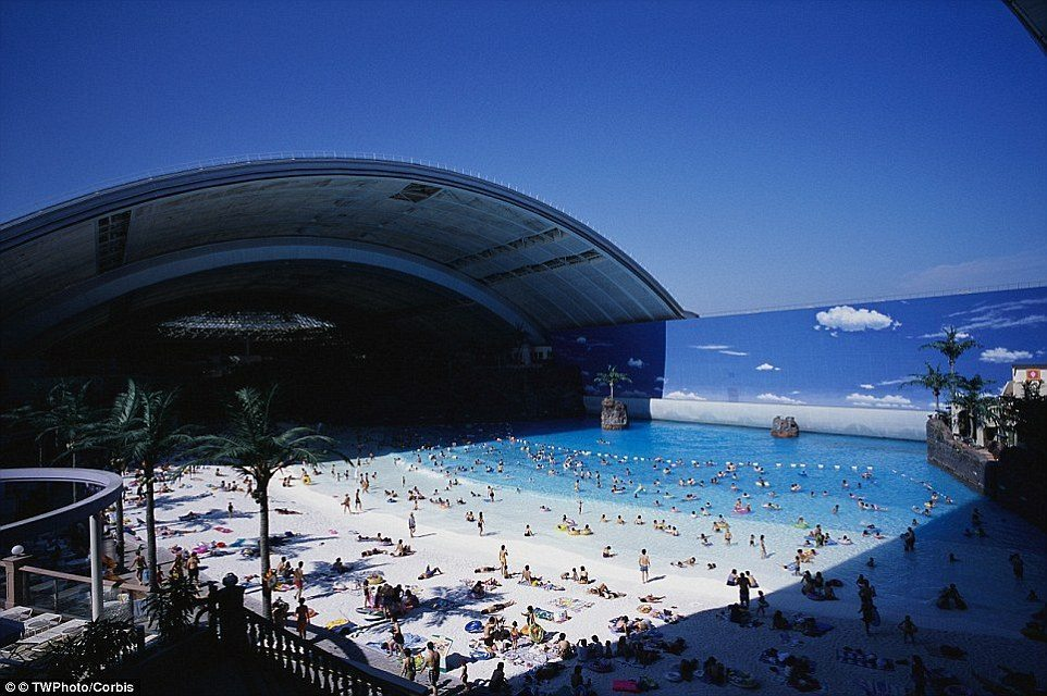 Ocean Dome, une plage artificielle