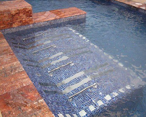 Banquette bulles inox id es piscine for Piscine en inox