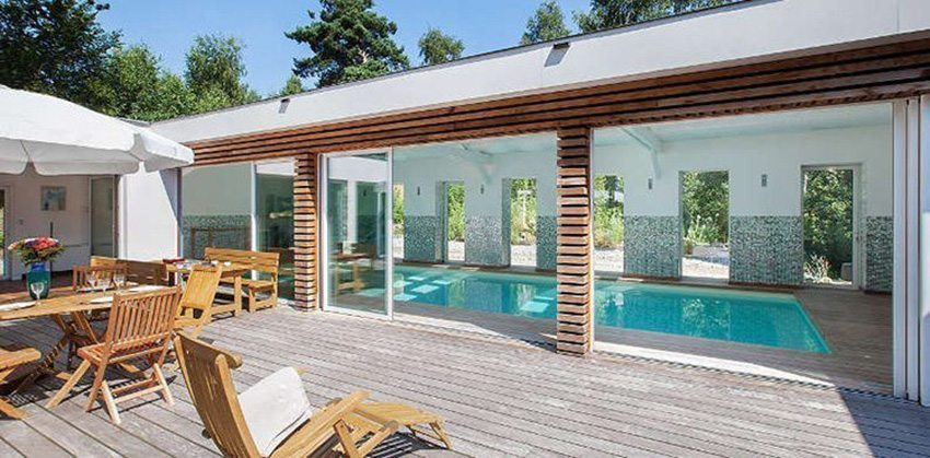 piscine intrieure maison prix excellent prix jacuzzi exterieur avec prix jacuzzi exterieur sur. Black Bedroom Furniture Sets. Home Design Ideas