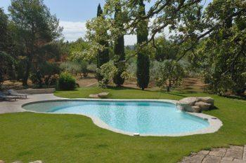 Les cascades et lames d 39 eau id es piscine for Piscine cascade toboggan