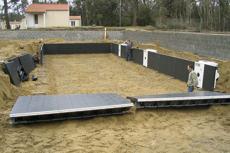 Construction id es piscine for Construction piscine kit