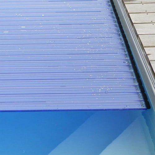 Lames polycarbonate solaires id es piscine for Volet polycarbonate piscine