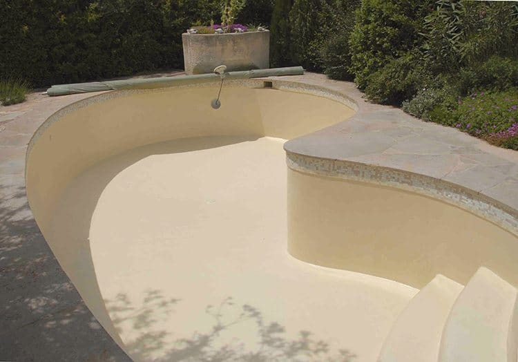 Les rev tements piscine id es piscine for Piscine carrelage gris