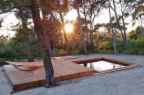 Terrasse mobile o2pool id es piscine for Couverture piscine bois