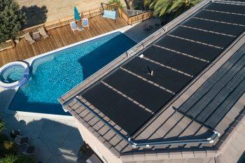 Chauffage solaire installé sur un toit