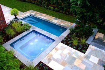 Mini piscine avec spa