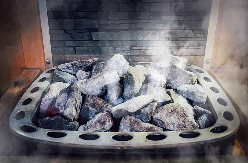 pierres chaudes d'un poële à sauna