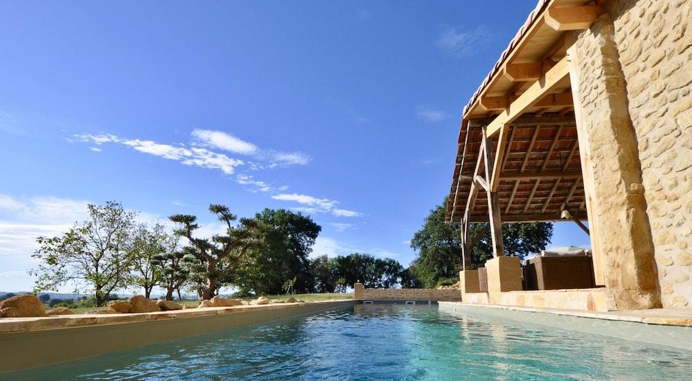 Les 17 m de longueur offrent une belle perspective et un vrai confort de nage.