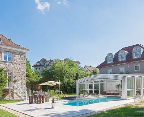 idees-piscine-EUSA-abris-piscine-prives-Argent-hohlein-schwimmbad-wellness-e-k.jpg