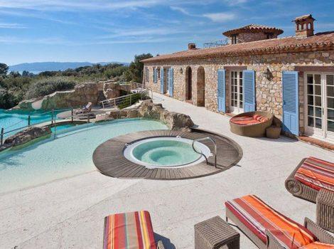 idees-piscine-spa-terrasse-Photo-via-capwestinternational.com_.jpg